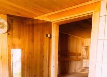 Holzarten-fur-den-Saunabau